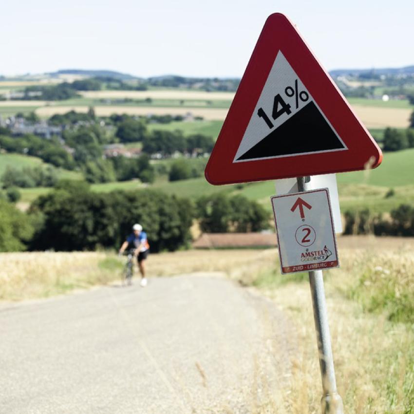 Steile helling fietsen bij Bike B&B Brakke Berg